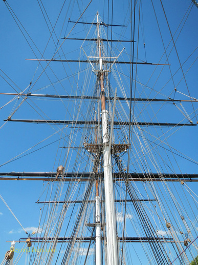 Masts of the clipper ship Cutty Sark