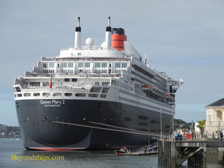 Queen Mary 2 in Cobh Ireland
