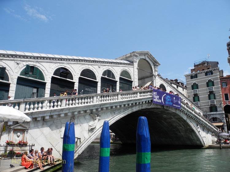 Picture Rialto bridge, Venice, Italy