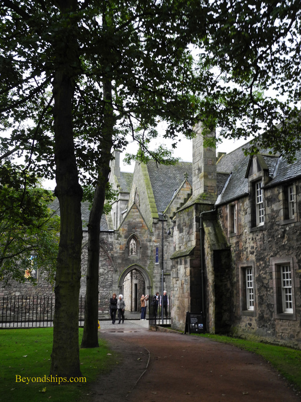 Picture Holyroodhouse buildings
