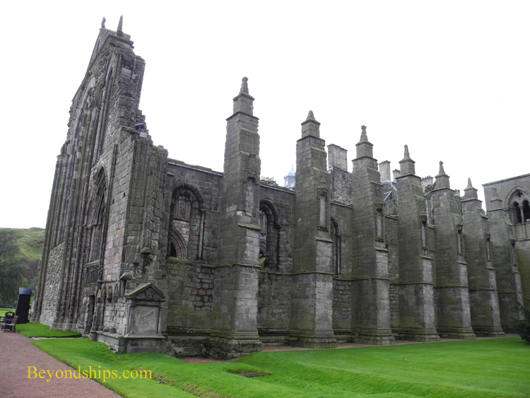 Picture Holyroodhouse church ruins