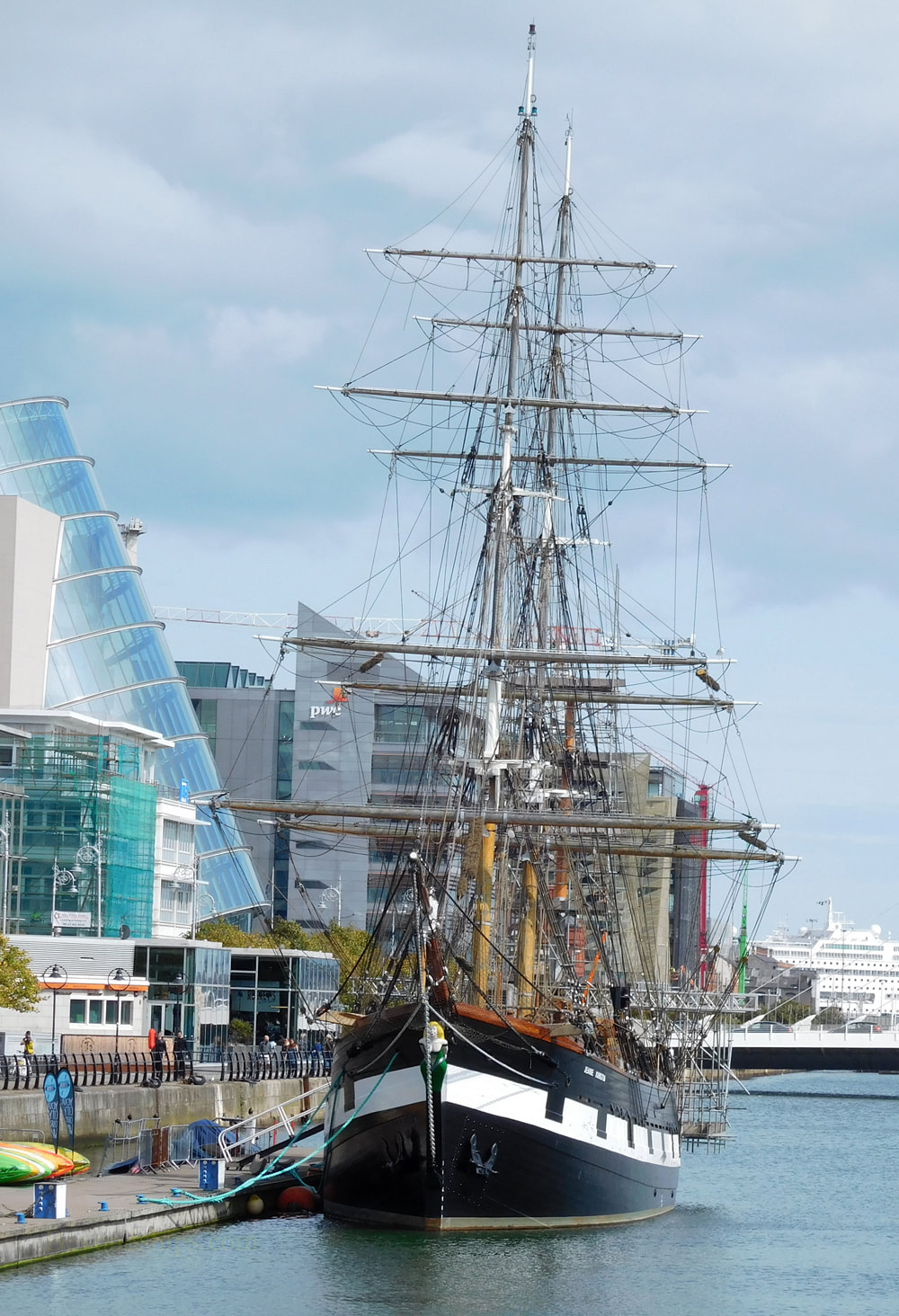 Jeanie Johnston sailing ship, Dublin