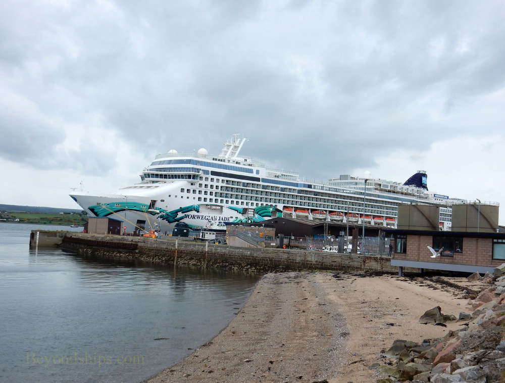 Norwegian Jade cruise ship at Invergordon