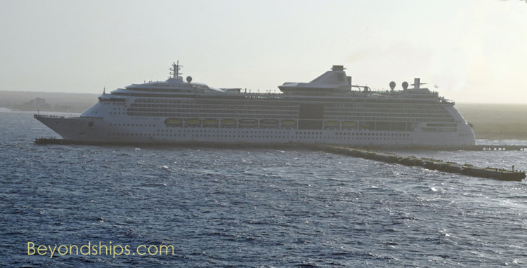 Radiance of the Seas in Costa Maya cruise port