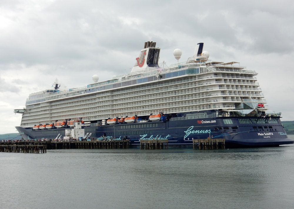Mein Schiff 4 cruise ship at Invergordon