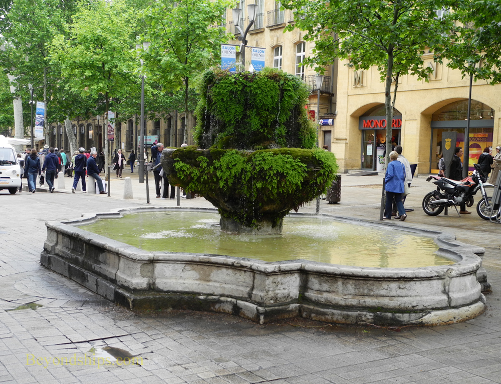 Neuf Cannons Fountain, Aix En Provence