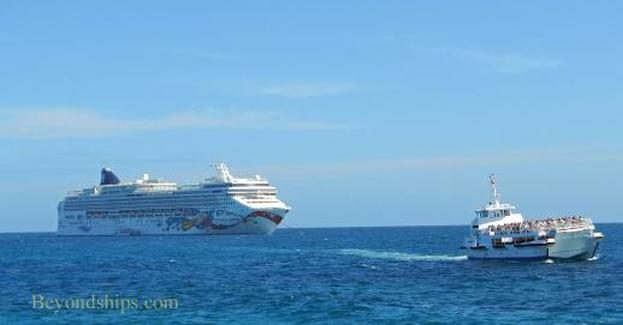 Norwegian Jewel cruise ship off Great Stirrup Cay