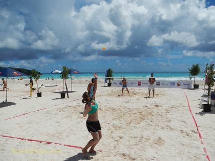 Picture Bermuda beach tennis