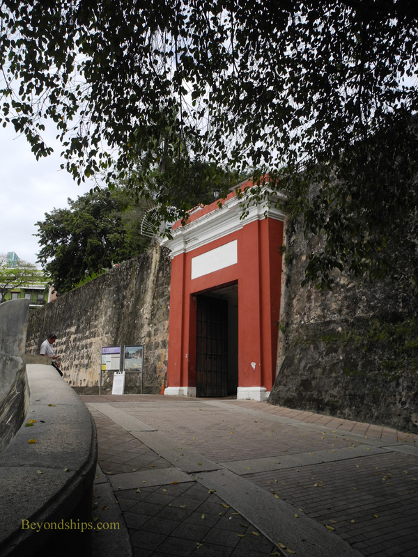 San Juan Gate, cruise destination Old San Juan