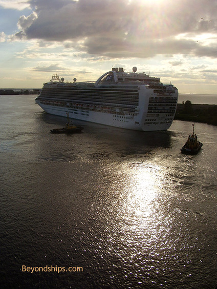 Picture of cruise ship Crown Princess in St. Petersburg